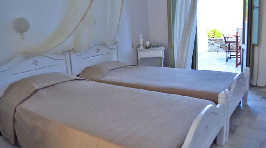 Artemis Hotel in Antiparos | Oliaros Tours in Antiparos