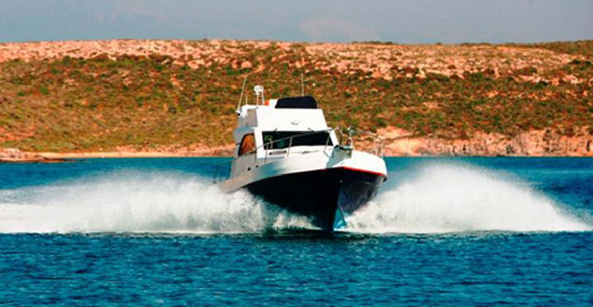 Polyester boats 10 meters | Oliaros Tours in Antiparos