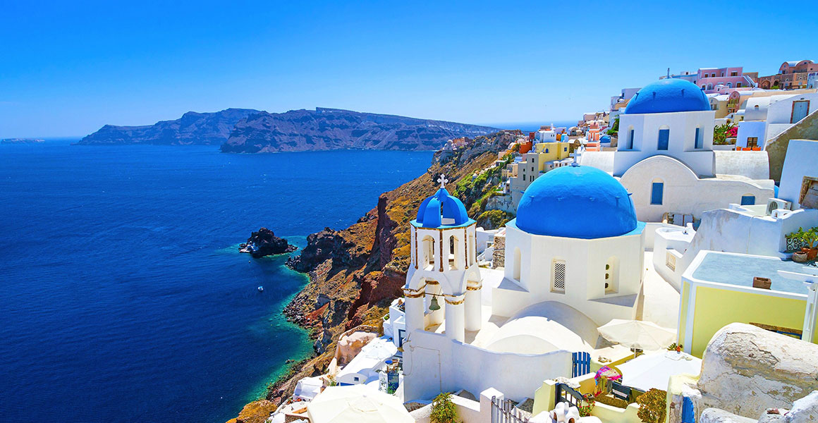Sightseeing in Santorini with a helicopter | Oliaros Tours