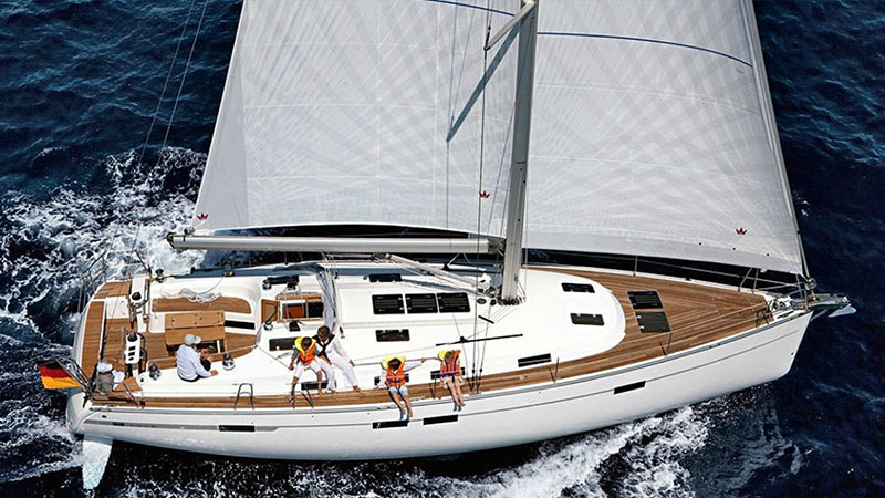 Boats & Yachts | Oliaros Tours